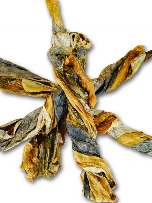 Drool Pet Co. Photograph of 4 Mackerel Skin Twists. Dried twisted Mackerel skins on top of each other